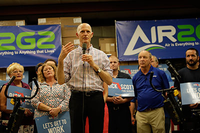 Governor Rick Scott on the factory floor