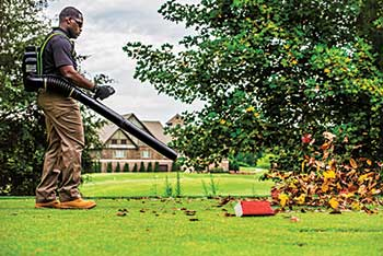 Battery-powered blower (Photo: Greenworks Commercial)