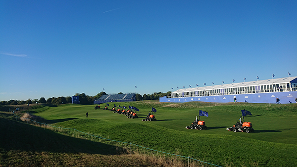 Cutting fairways at the 2018 Ryder Cup | Photo: Jiří Lahodný