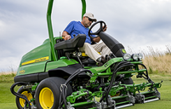 John Deere 6000A PrecisionCut (Photo: John Deere)