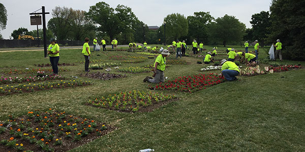 National Golf Day volunteers at Floral Library (Photo: Golfdom Staff)