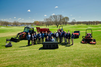 The Hazeltine National Golf Club and The Toro. Co. team. (Photo: The Toro Co.)
