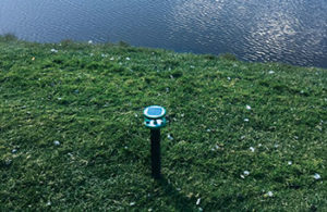 In many cases, land-based flashers can be placed on top of hazard stakes that surround ponds. (Photo: Ruth Lake CC)