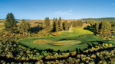 Rolling hills on golf course (Photo: Silvies Valley Ranch/KemperLesnik)
