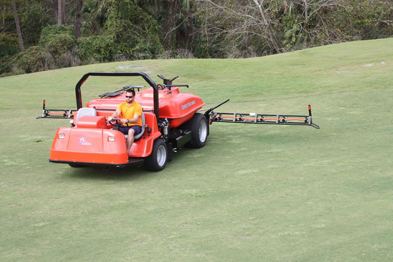 Smithco's Star Command 5200 Company is a new self-contained turf sprayer with 520 gallon capacity. (Photo: Smithco)