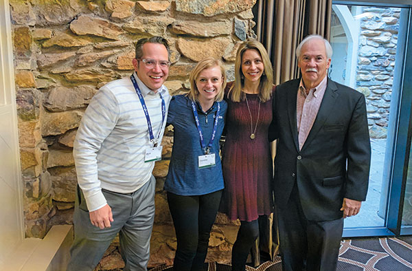 Christina Herrick and SBI attendees (Photo: Golfdom Staff)