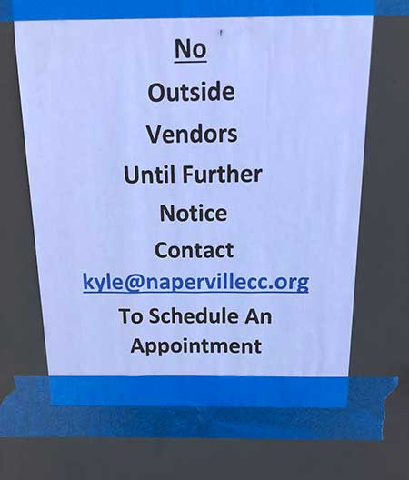 A sign at Naperville Country Club discourages outside vendors from entering the facility. (Photo: Naperville CC)