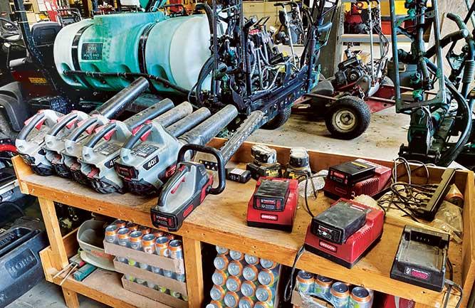 Battery-powered equipment at North Hempstead CC (Photo: Tom Kaplun)