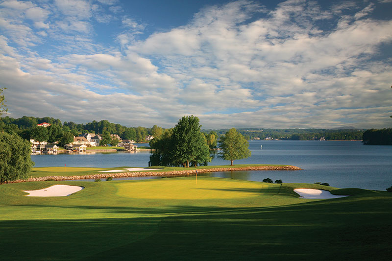 Hole 7 at the Water's Edge features a par-3 island green par 3. (Photo: McConnell Golf)