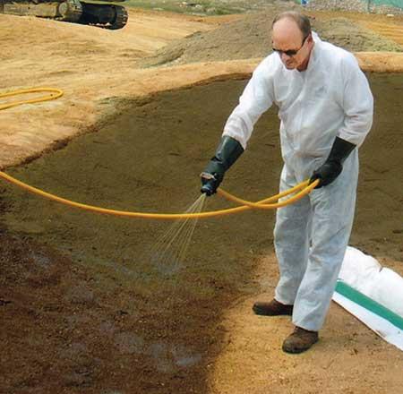 Klingstone bunker liner can be applied in-house using a hose. (Photo: Klingstone)