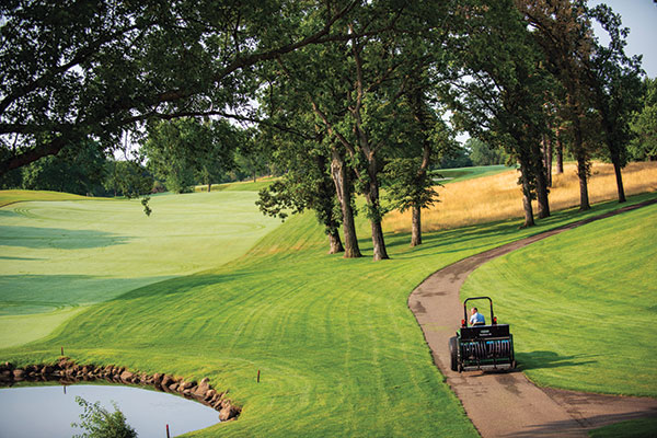Floating heads on the TriWave are suited for courses with undulations, says Scott Kinkead, executive vice president of Turfco. (Photo: Jamey Guy Photography)
